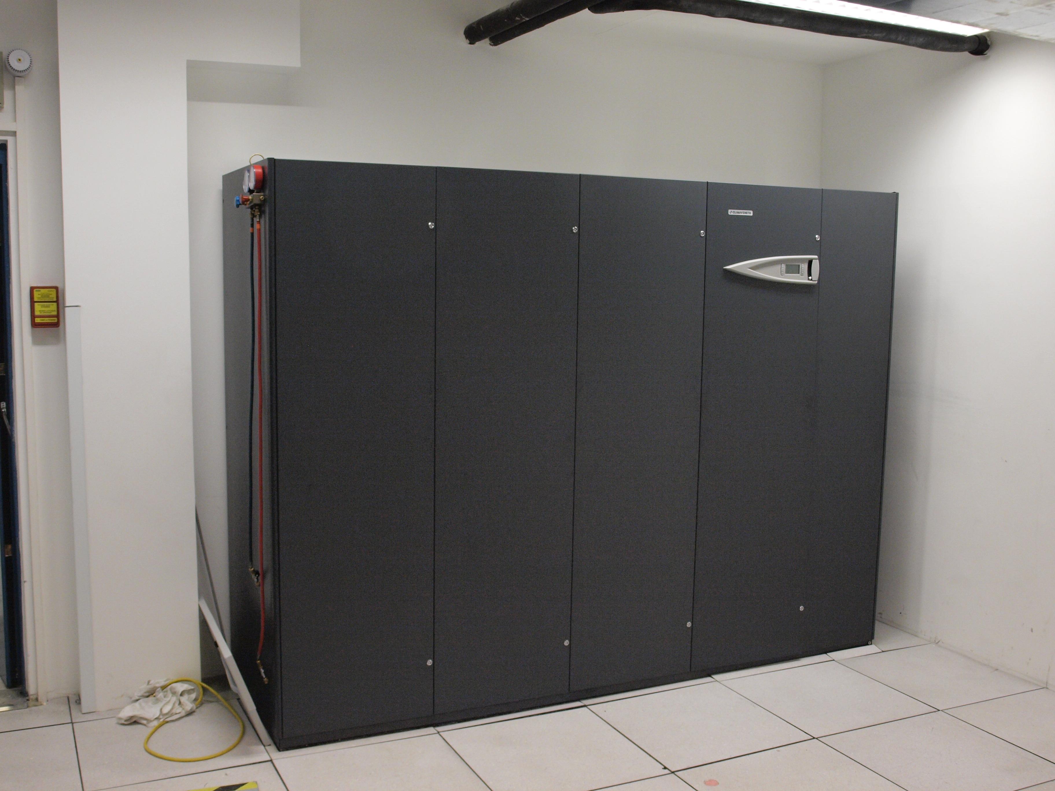 cr ation d 39 un datacenter et climatisation le site des. Black Bedroom Furniture Sets. Home Design Ideas